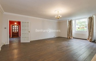 picture of 2 Bedroom(s) flat in  Thurlow Road, Hampstead, NW3