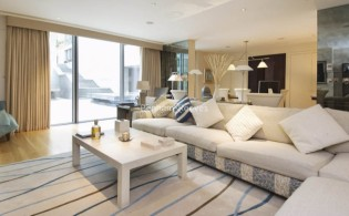 picture of 2 Bedroom(s) flat in  The Knightsbridge Apartments, Knightsbridge, SW7