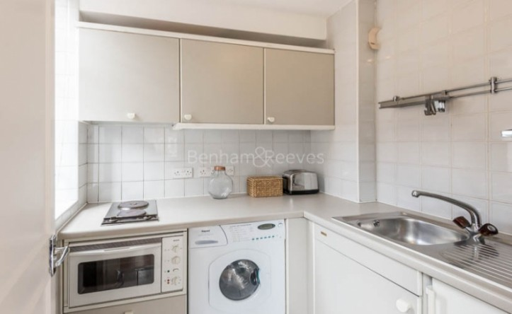 1 Bedroom flat to rent in Chelsea Cloisters, Sloane Avenue SW3