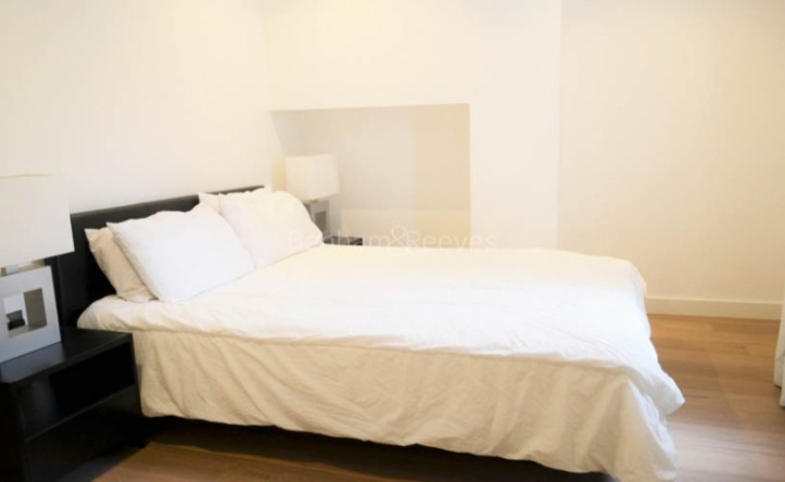 1 Bedroom flat to rent in Philbeach Gardens, Earl's Court, SW5