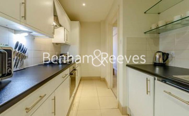 2 Bedroom flat to rent in Pelham Court, Fulham Road, SW3