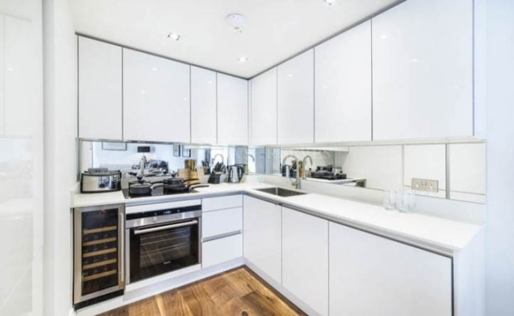 1 Bedroom flat to rent in The Hansom, Bridge Place, Victoria, SW1