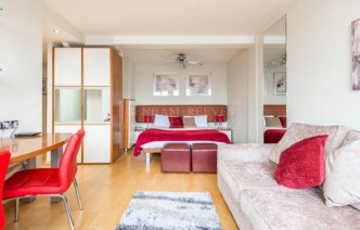 picture of Studio flat in  Old Brompton Road, South Kensington, SW7
