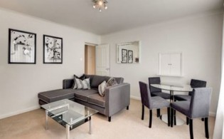 picture of 2 Bedroom(s) flat in  Fulham Road, South Kensington, SW3