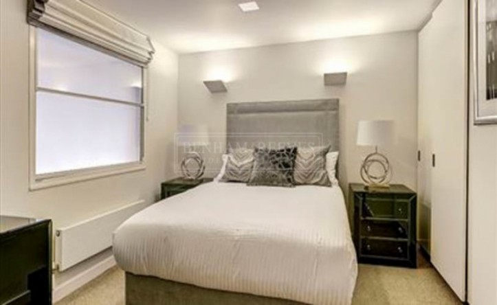 2 Bedroom flat to rent in Fulham Road, South Kensington, SW3