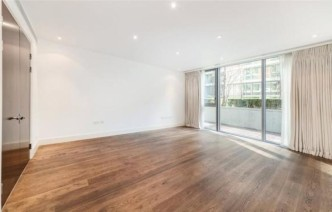 picture of Studio flat in  The Knightsbridge Apartments, Knightsbridge, SW7