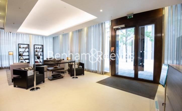 Studio flat to rent in Kings Gate Walk, Victoria, SW1E