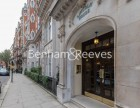 2 Bedroom flat to rent in Lincoln House, Knightsbridge SW3