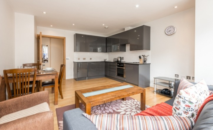 1 Bedroom flat to rent in Colony Mansions,Earls Court,SW5