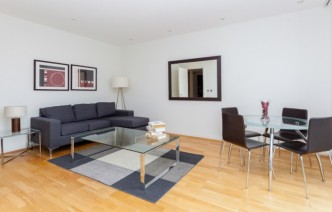 picture of 1 Bedroom(s) flat in  Grosvenor Waterside, Chelsea, SW1W