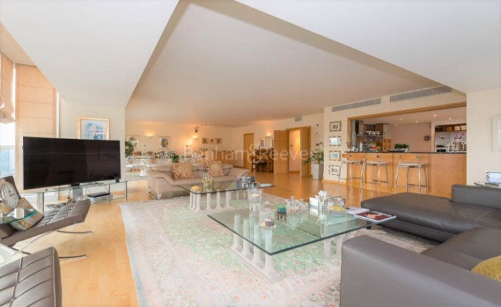 4 Bedroom flat to rent in The Panoramic, Millbank, SW1V