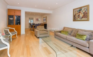 picture of 2 Bedroom(s) flat in  Montrose Court, South Kensington, SW7