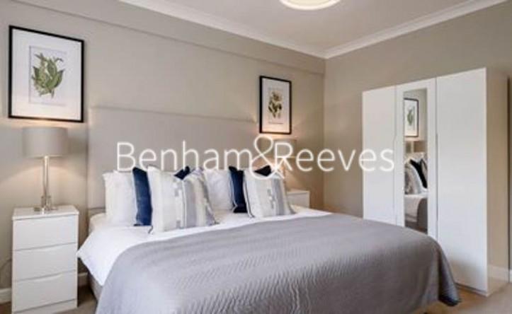 1 Bedroom flat to rent in Hill Street, Mayfair, W1J