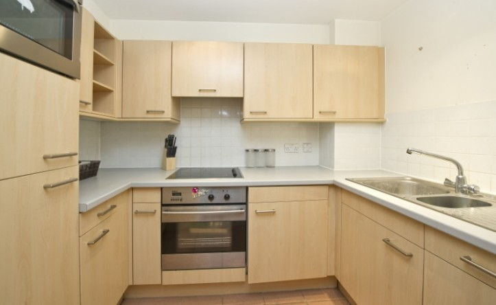 1 Bedroom flat to rent in Consort Rise, Buckingham Palace Road, Victoria, SW1
