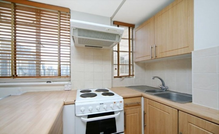 Studio flat to rent in Sloane Avenue Mansions, Chelsea, SW3