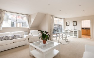 picture of 2 Bedroom(s) flat in  Princes Gate Mews, South Kensington, SW7