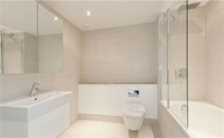 2 Bedroom flat to rent in Portobello Square, Notting Hill, W10