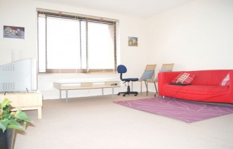 picture of 2 Bedroom(s) flat in  Cameret Court, Notting Hill, W11
