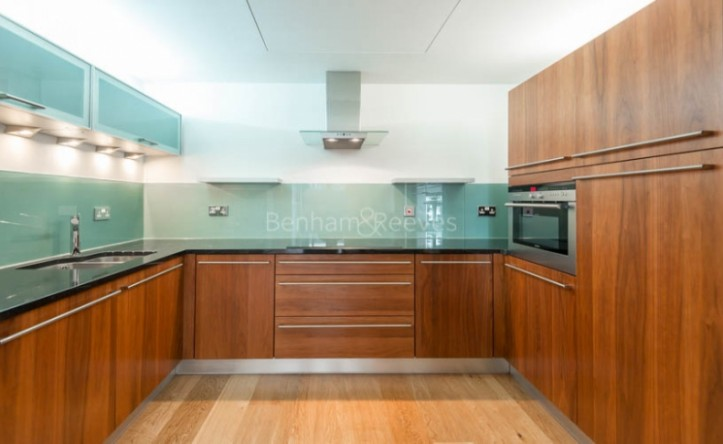 2 Bedroom flat to rent in Baker Street, Marylebone, NW1