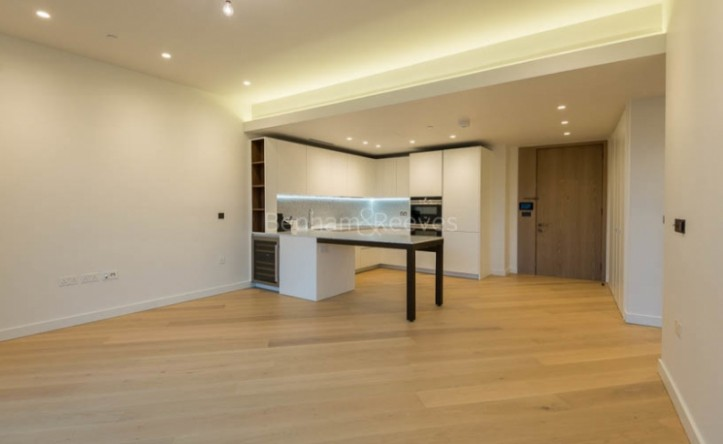2 Bedroom flat to rent in Television Centre, The Crescent, Wood Crescent, White City W12