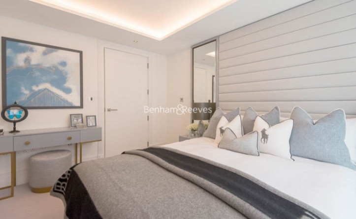 2 Bedroom flat to rent in Compass House, Kensington Gardens Square, Bayswater, Hyde Park, W2