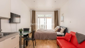 picture of Studio flat in  St Stephens Gardens, Lancaster W2