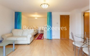 picture of Studio flat in  Brompton Park Crescent, Kensington, SW6