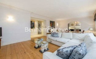 picture of 3 Bedroom(s) flat in  Campden Hill Mansions, W8
