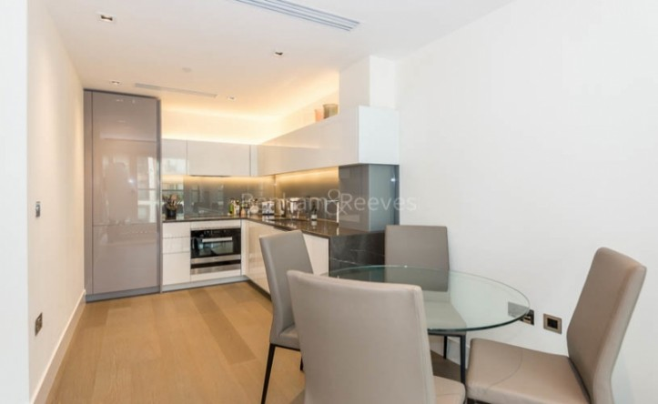 1 Bedroom flat to rent in High Street Kensington, West Kensington, W14