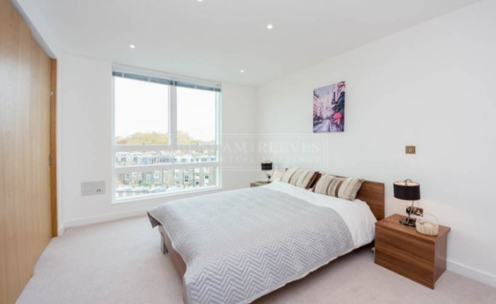 2 Bedroom flat to rent in Holland Park Avenue, Holland Park, W11