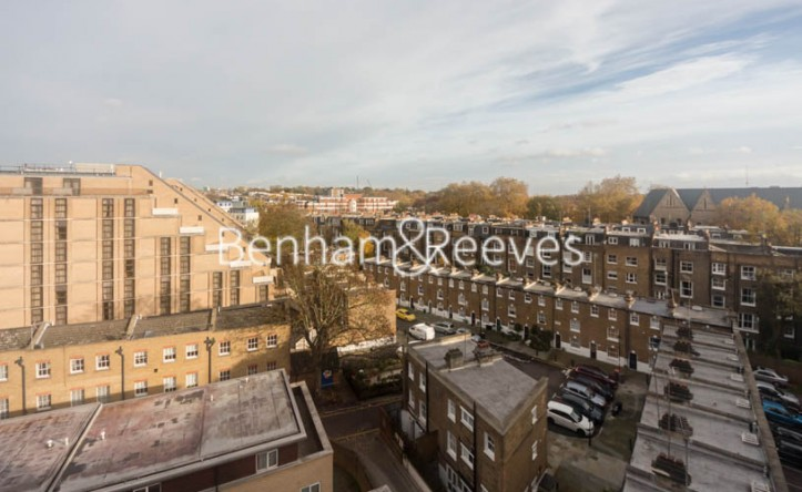 2 Bedroom flat to rent in Holland Park Avenue, White City, W11