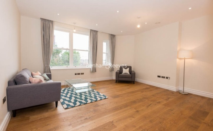 1 Bedroom flat to rent in Kensington High Street, Kensington, W8