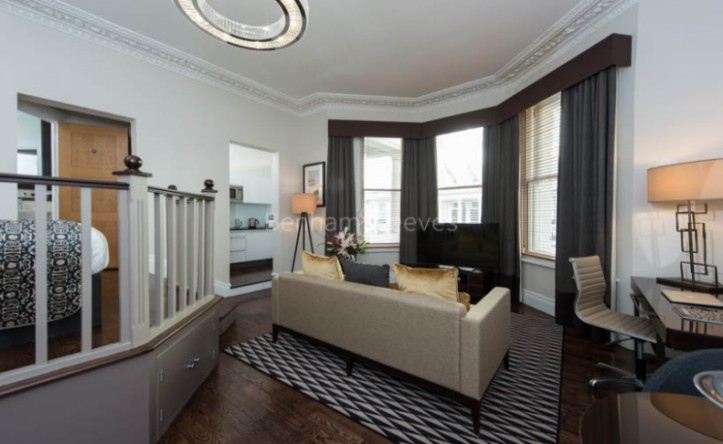 Studio flat to rent in Stanhope Gardens, Kensington, SW7