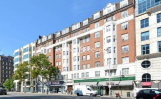 picture of 1 Bedroom(s) flat in  Kenton Court, Kensington High Street, W14