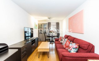 picture of 1 Bedroom(s) flat in  Ashmore House, Russell Road, W14