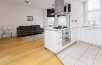 picture of 1 Bedroom(s) flat in  Nevern Square, Earl's Court, SW5