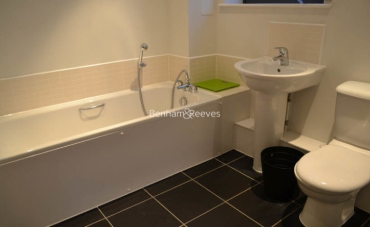 2 Bedroom flat to rent in The Pulse, Colindale, NW9