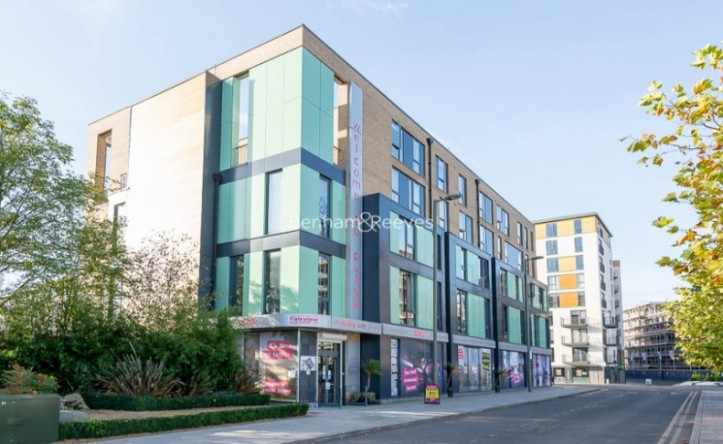 3 Bedroom flat to rent in Charcot Road, Colindale, NW9