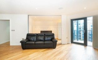 picture of 2 Bedroom(s) flat in  Aerodrome Road, Colindale, NW9
