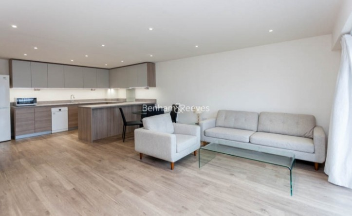 2 Bedroom flat to rent in Beaufort Square, Colindale, NW9