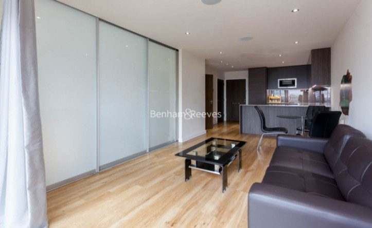 1 Bedroom flat to rent in East Drive, Colindale, NW9