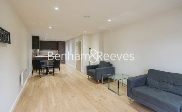 1 Bedroom flat to rent in Beaufort Square, Colindale, NW9