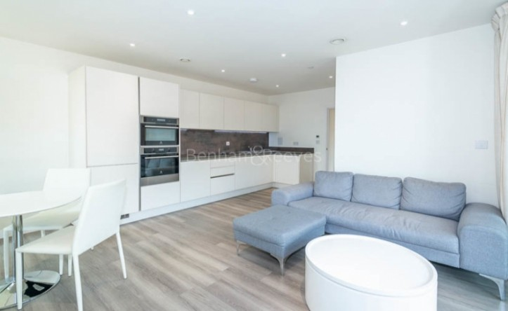 2 Bedroom flat to rent in Moorhen Drive, West Hendon, NW9