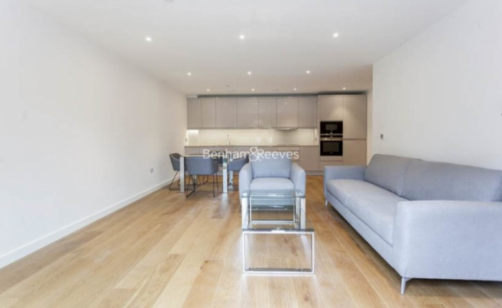 2 Bedroom flat to rent in Thonrey Close, Colindale, NW9