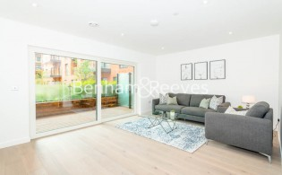 picture of 2 Bedroom(s) flat in  Thonrey Close, Colindale, NW9