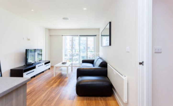 2 Bedroom flat to rent in Aerodrome Road, Colindale, NW9