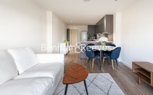 picture of 2 Bedroom(s) flat in  Beaufort Park, Colindale  NW9