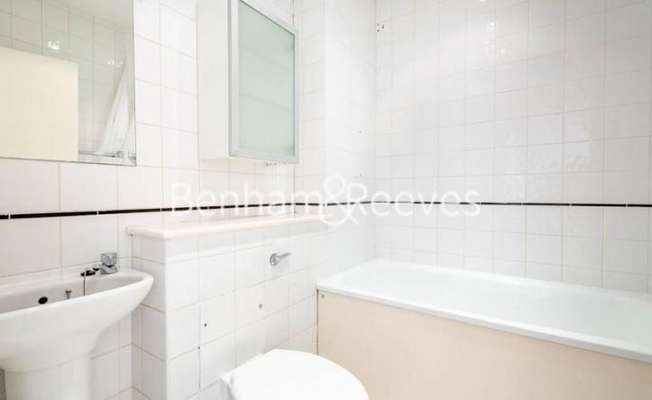 1 Bedroom flat to rent in West Smithfield, Farringdon, EC1