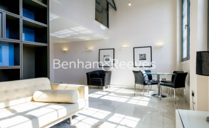 2 Bedroom flat to rent in Richmond Road, Hackney, E8