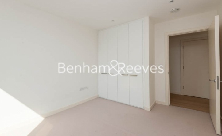 1 Bedroom flat to rent in Trematon Building, Regents Quarter, Trematon Walk, N1